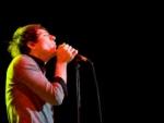 Jelang Konser Fans Histeris Saat Ditemui Owl City